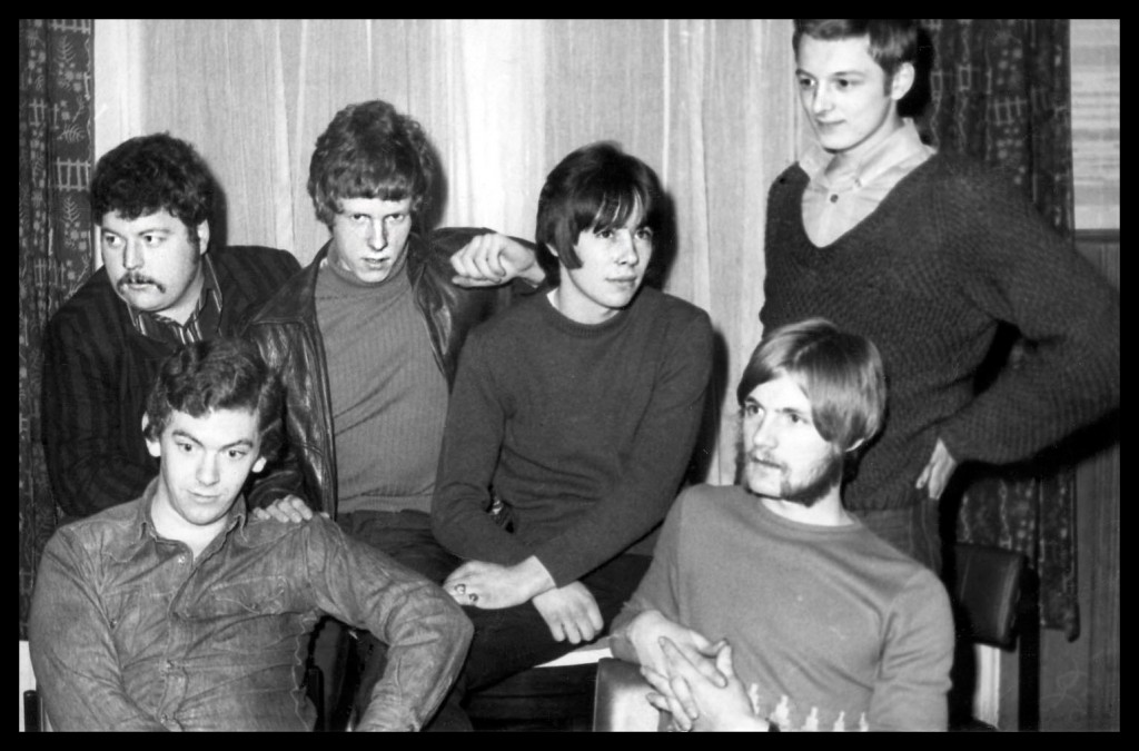 James South in December 1967 (left to right back row): Keith 'Pongo' Waring, Roger Smith, Nigel Olsson, Jimmy Hall; front Peter Bell and Jim Hall.