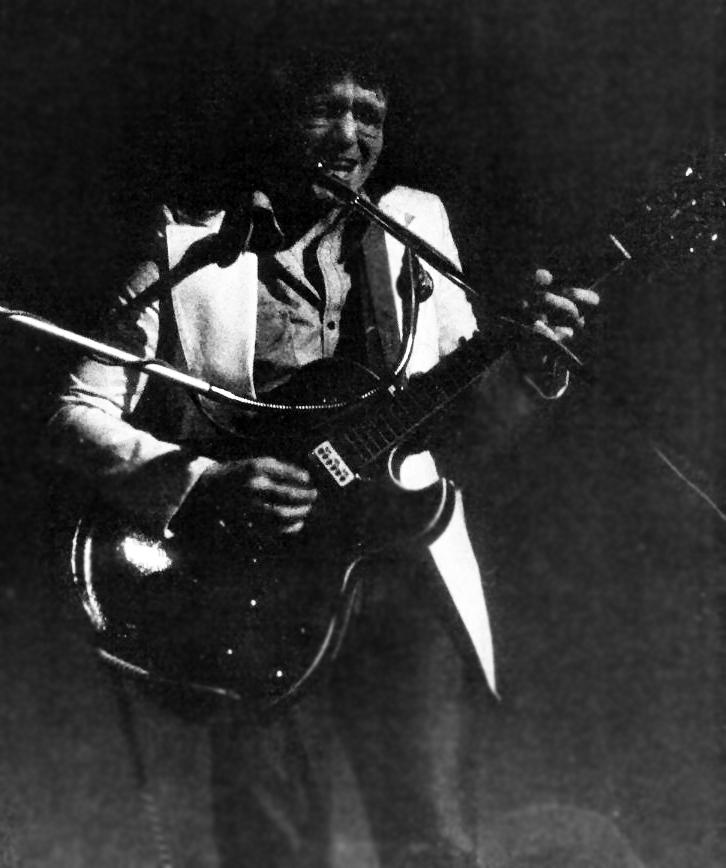 Guitarist Les Gofton