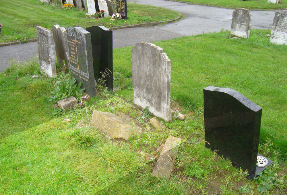 Mike Jeffery's plot at Hither Green cemetery (highlighted). The headstone is no longer there